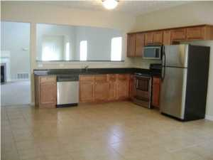 2484 Lakeview Dr Crestview FL REO